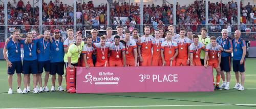 Het Nederlandse elftal wint een bronzen medaille. Foto: Roel Ubels