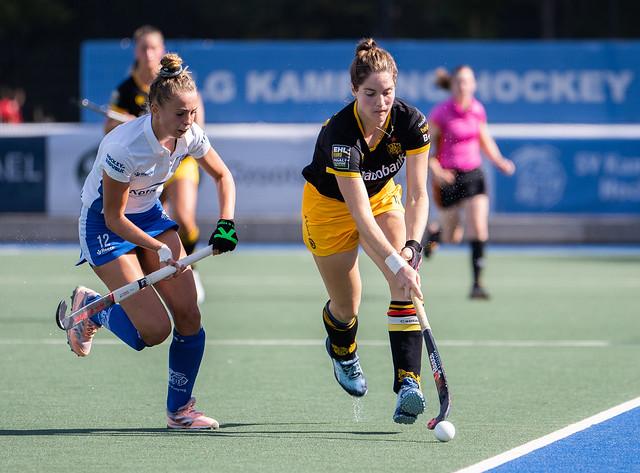 Pam Imhof in duel met Marloes Keetels. Foto: Roel Ubels