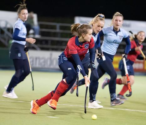 Caroline Hollema speelt haar hele carriere voor Laren. Vandaag scoorde zij voor het eerst voor Laren tegen HGC