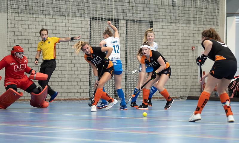 Groningen verliest van Kampong en degradeert uit de Hoofdklasse.