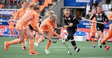 Nederland wint overtuigend van Duitsland.