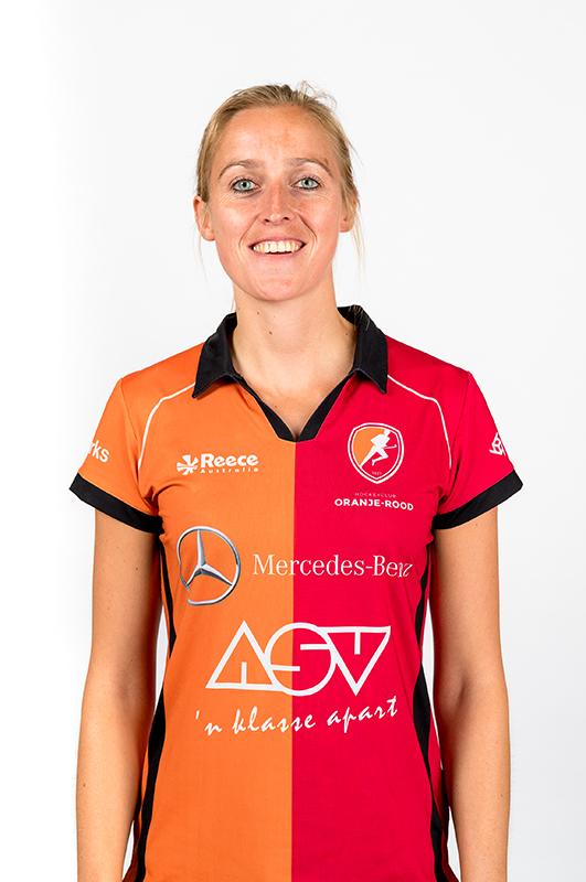 Babette-van-der-Velden-Oranje-Rood-Dames-2017-2018