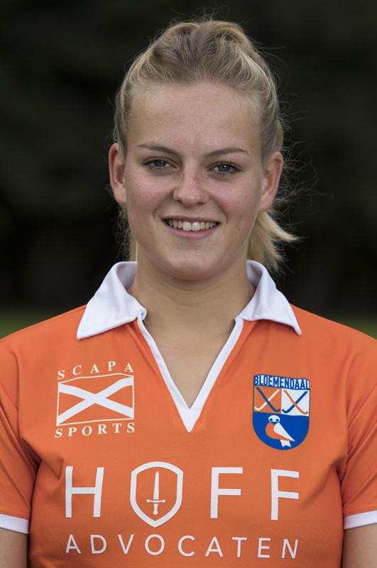 BLOEMENDAAL - PIEN HOLLEMAN  van Bloemendaal Dames I seizoen 2016-2017.    COPYRIGHT KOEN SUYK