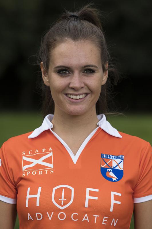 BLOEMENDAAL - ROMY VAN AS  van Bloemendaal Dames I seizoen 2016-2017.    COPYRIGHT KOEN SUYK