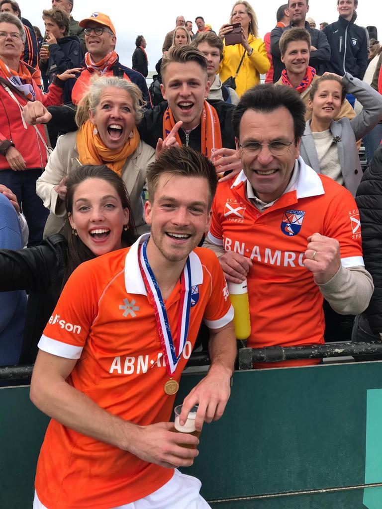 De hele familie Brinkman is aanwezig bij het Kampioenschap van Thierry. Foto: Roel Ubels