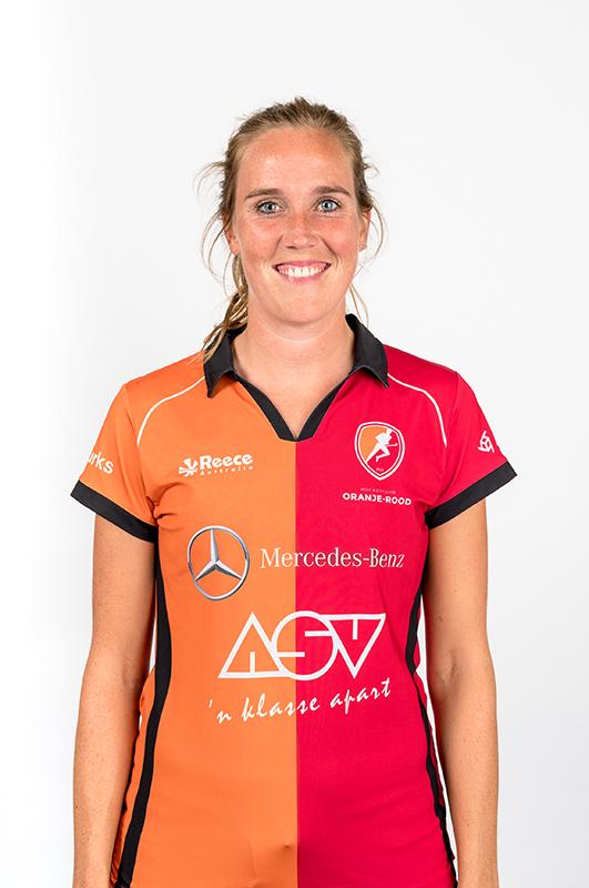 Daphne-van-der-Velden-Oranje-Rood-Dames-2017-2018