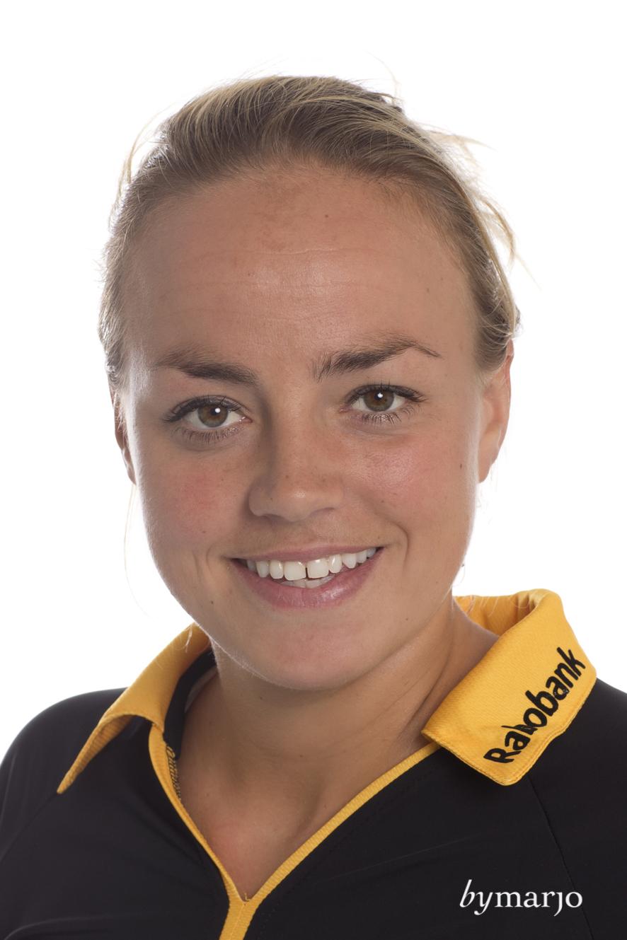 HCDB, Dames 1, seizoen 2013-2014,Maartje Paumen, rugnummer 9