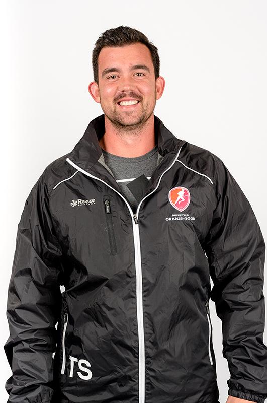 Matthew-Eyles-Krachttrainer-Oranje-Rood-Dames-2017-2018