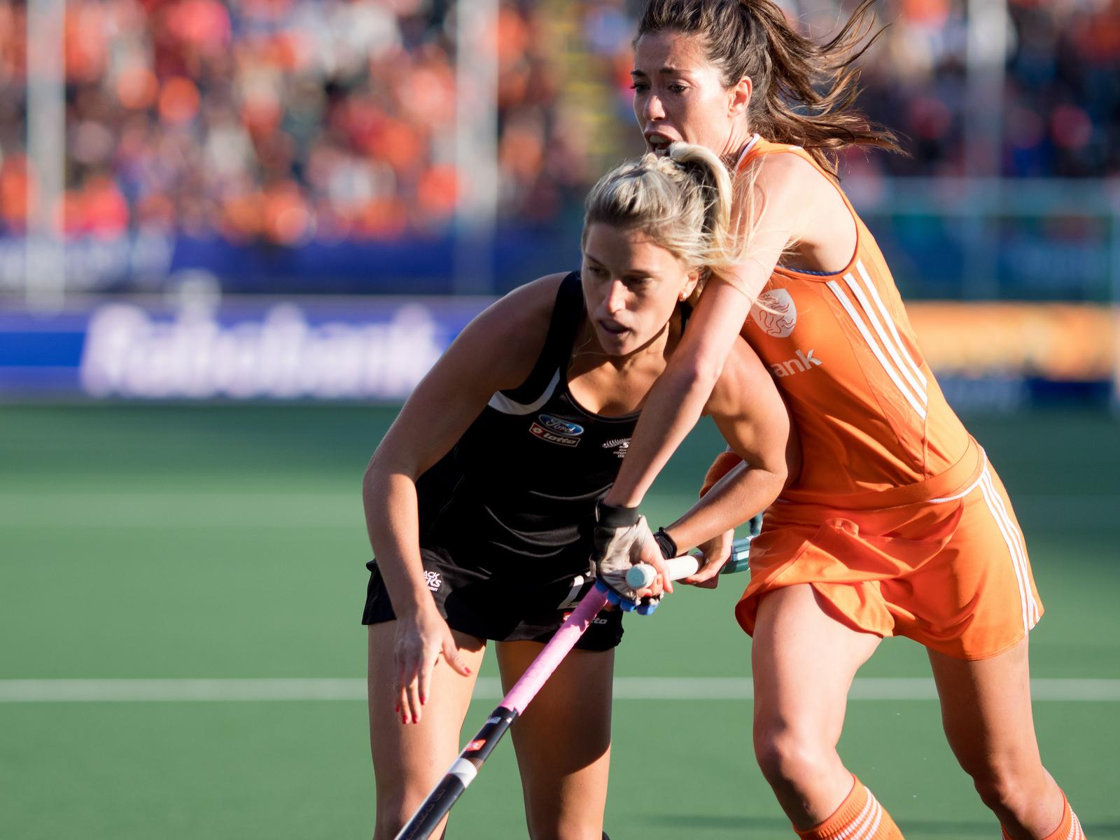 Nederland-Oranje-Nieuw-Zeeland-WK-dames-RU Naomi van As