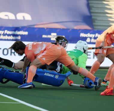 De Nederlandse hockeyheren krijgen een kans op de 2-0. Deze gaat er niet in.