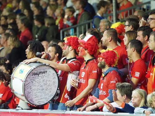Het Belgische publiek is aanwezig in het openingsduel tegen Spanje. Foto: Roel Ubels