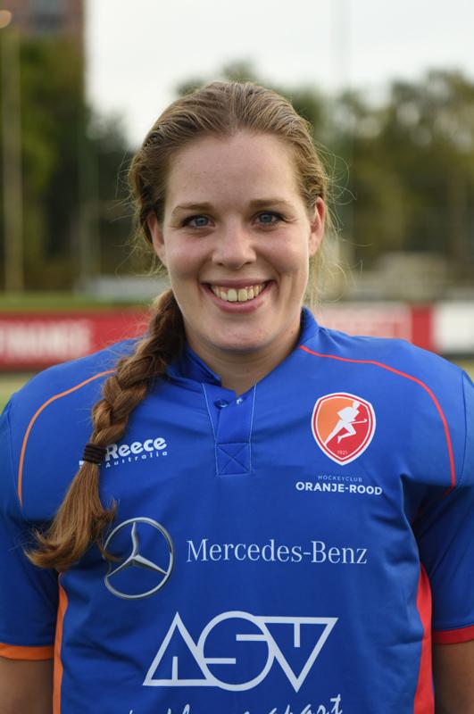 Oranje-Rood-16-17-Larissa-Meijer