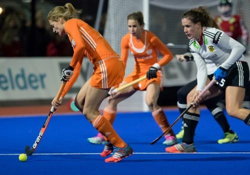Nederland - Duitsland Oranje dames Dirkse van den Heuvel Hoog RU
