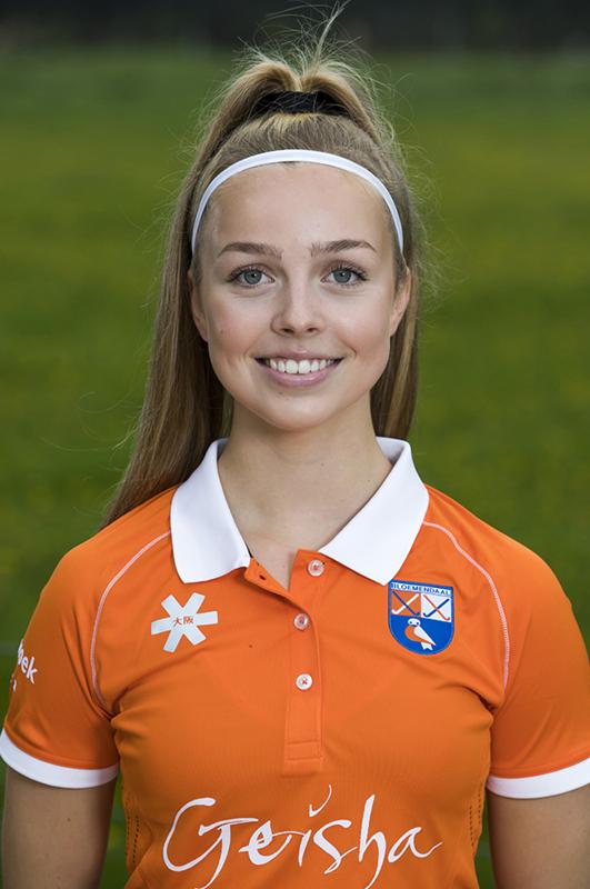 BLOEMENDAAL - Philine de Nooijer (Bldaal)   .  Bloemendaal  Dames I seizoen 2018/2019. COPYRIGHT KOEN SUYK