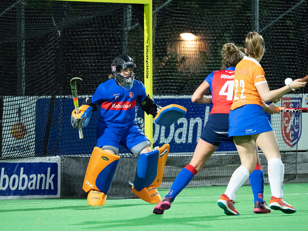 Roos Knijff in actie met SCHC tijdens de Gold Cup in 2018. Foto: Roel Ubels