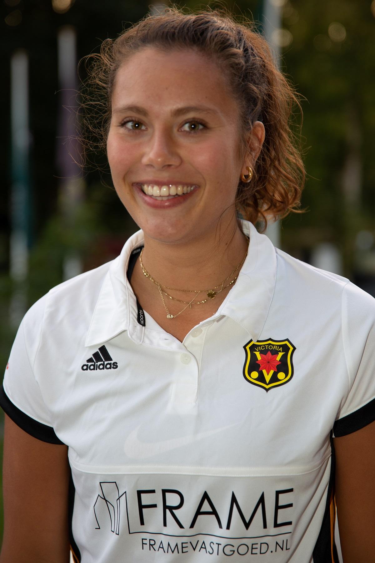 Renée van den Brand (19)