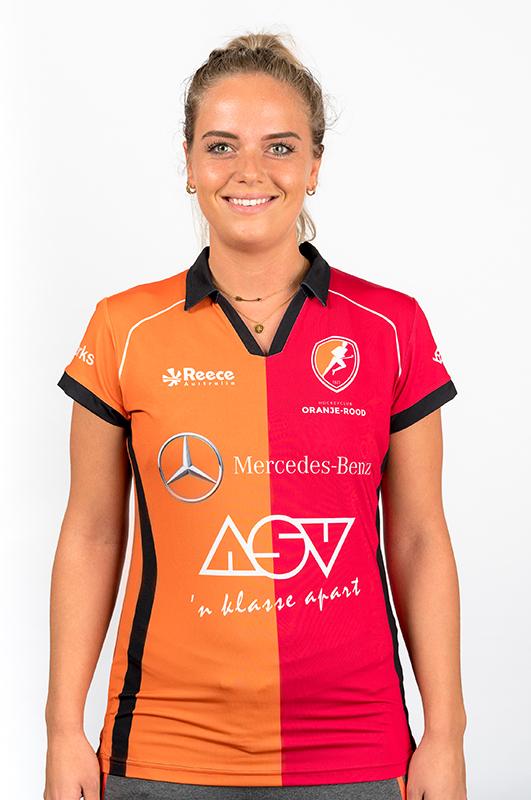Sophie-van-Nieuwamerongen-Oranje-Rood-Dames-2017-2018