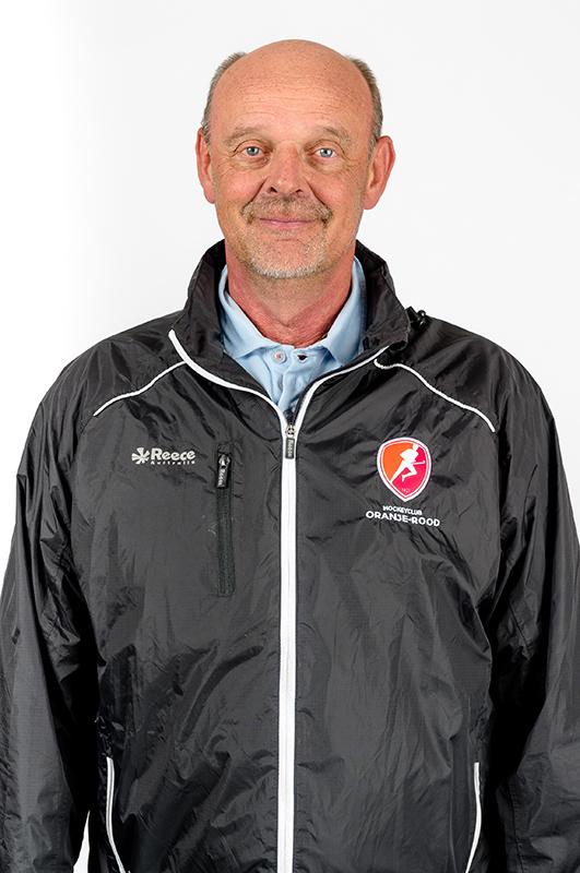 Toon-Siepman-Coach-Oranje-Rood-Dames-2017-2018