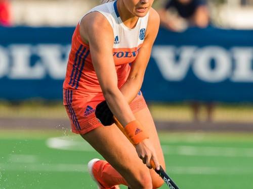 Emmeliene Oonk in actie voor Nederland -18